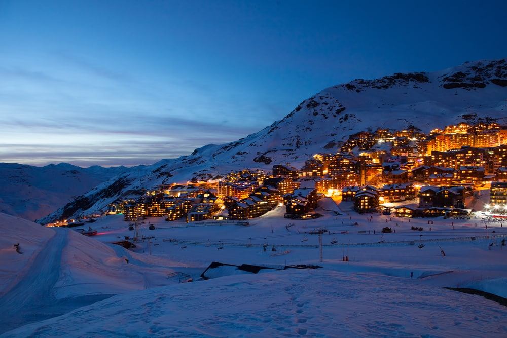 grenoble airport to val thorens shared ski transfers from rtn. Black Bedroom Furniture Sets. Home Design Ideas